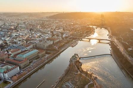 Koncepce pražských břehů ukazuje jak plánovat prostor řeky