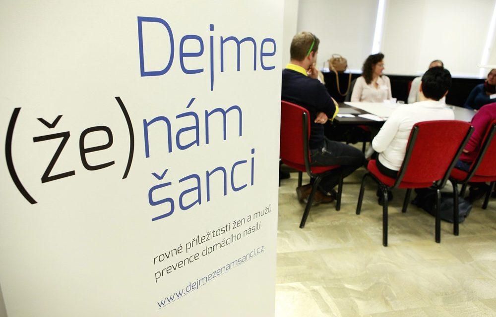 Konference Dejme ženám šanci a mužům příležitost představí světové odborníky voblasti genderu