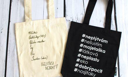 Plastové tašky zdarma končí, od ledna nezapomeňte látkovou