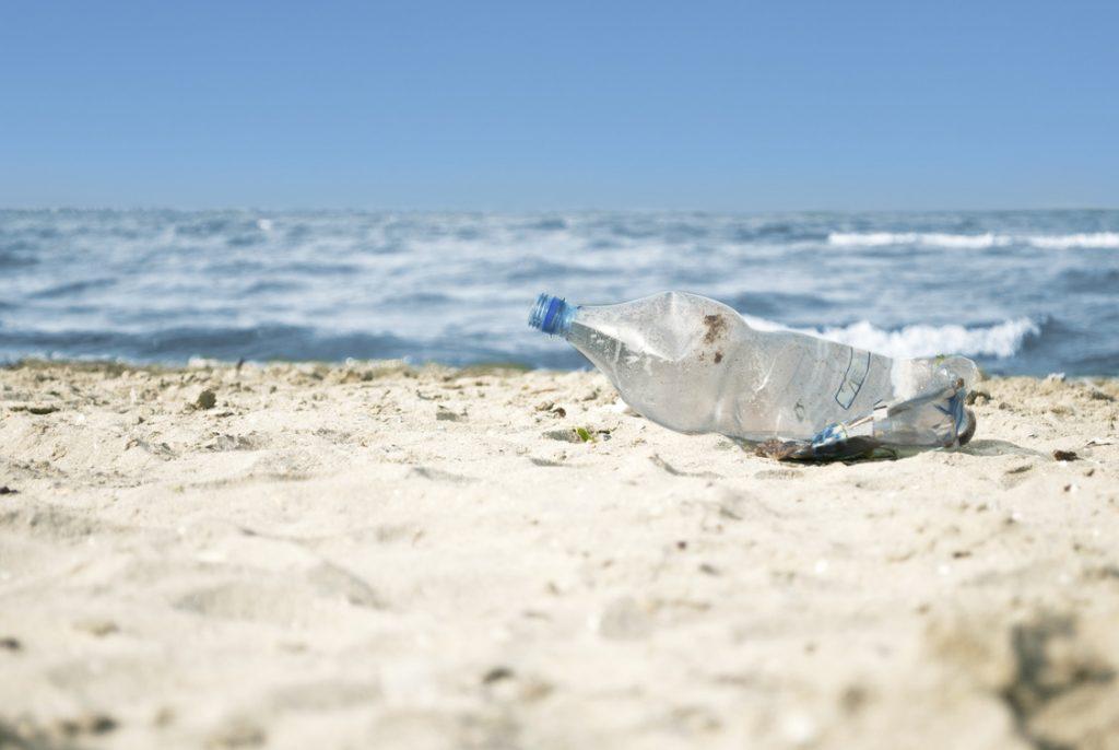 Aktivně snižujeme použité plasty vcelém produktovém cyklu
